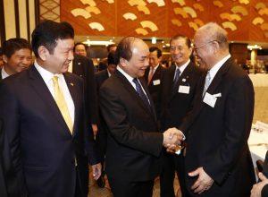 FPT会長とベトナム首相、日本で日本企業各社とのブレックファストミーティングに出席