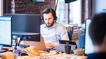 AIによる音声分析:ディープラーニングで通話記録の異常を検知し、コールセンターの効率を高める