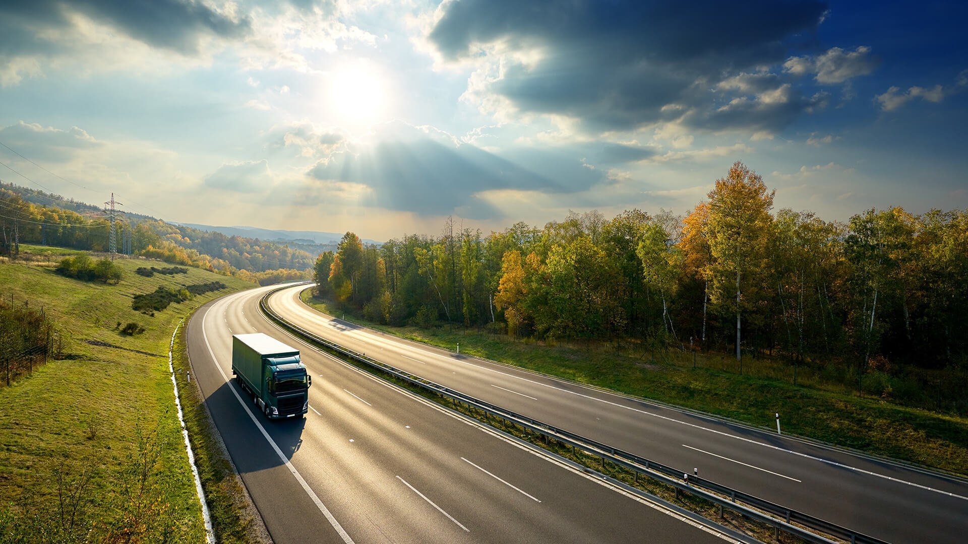 輸送コスト削減に役立つデータ分析の力を実感
